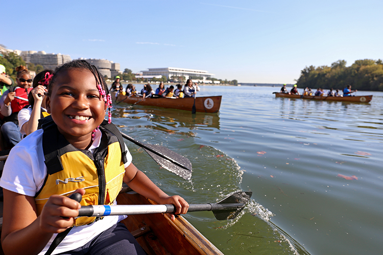 Students learn to appreciate Michigan waterways with Canoemobile